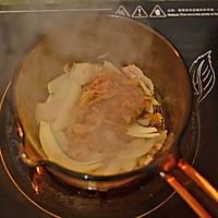 【泡菜汤】寒冬里香浓暖烘烘的辣汤是必备的做法图解2