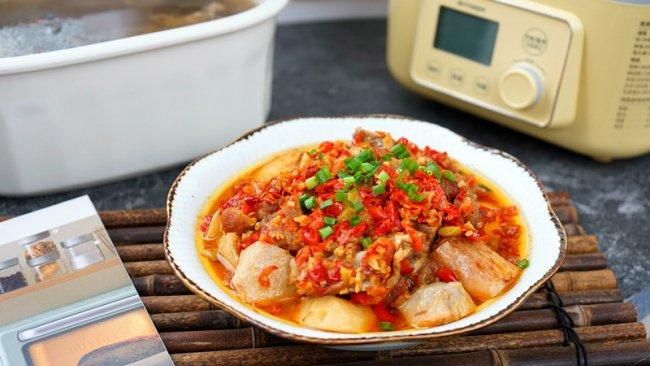剁椒蒸芋头排骨之石斛玉竹筒骨滋阴润燥汤的做法