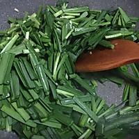 螺丝肉炒韭菜的做法图解3