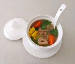 纯素养生汤-莲藕玉米花生山药汤的做法