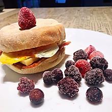 #夏日消暑,非它莫属# 英式Muffin培根芝士蛋三明治