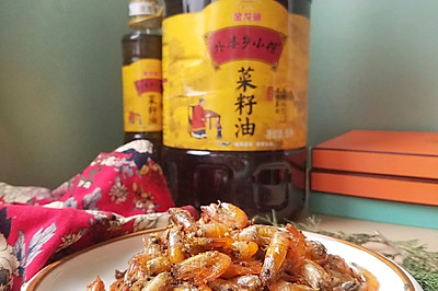 蒜香酥脆小草虾——蒜香浓郁,酥脆鲜香