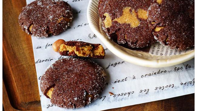 透过裂纹传出的香味——花生奶油饼干的做法