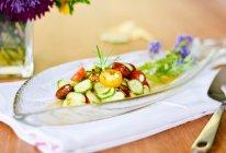 夏日清凉必备: 青瓜小番茄沙拉#炎夏消暑就吃「它」#的做法