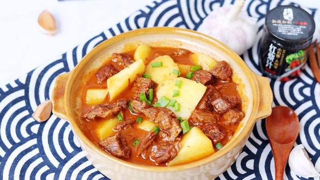 """#美食说出""""新年好""""#土豆烧牛肉的做法"""