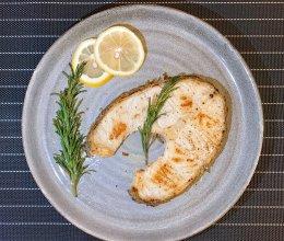 迷迭香煎银鳕鱼的做法