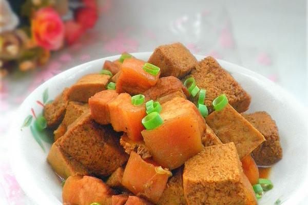 冻豆腐烧肉的做法