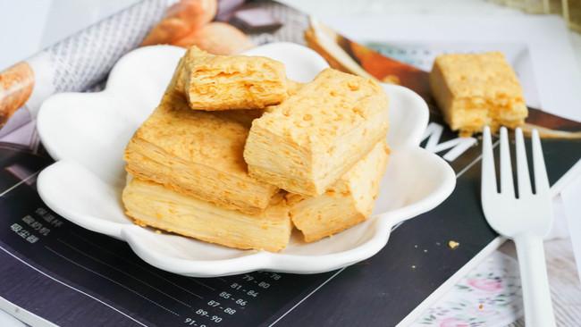 咸蛋黄酥饼的做法
