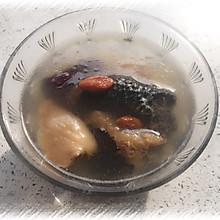 猴头菇岩耳乌鸡汤