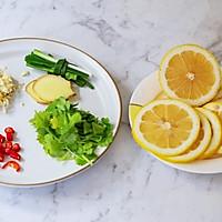 #我们约饭吧#酸辣柠檬虾的做法图解2