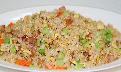 泰式虾仁炒饭的做法