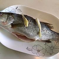 清蒸鲈鱼 (自制蒸鱼豉油)的做法图解2