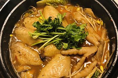 鸡翅鸡爪砂锅煲