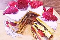 #美食视频挑战赛# 草莓奥利奥冰淇淋蛋糕的做法