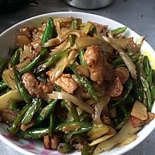 芹菜辣椒炒肉