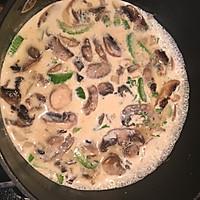 鸡丝奶油蘑菇汤 -《好先生》孙红雷打动主厨的做法图解7