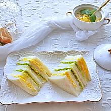 #夏日消暑,非它莫属#清爽牛油果鸡蛋三明治