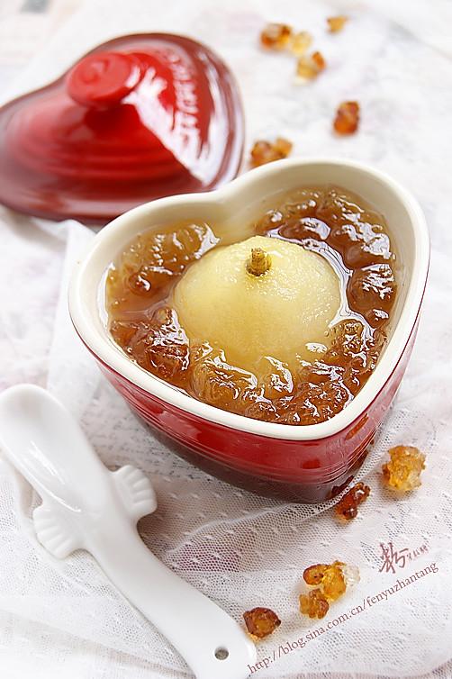 桃胶炖原梨的做法