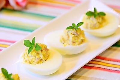 早餐-简单好吃的吞拿鱼鸡蛋杯(魔鬼蛋)