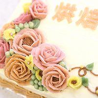大号方形庆典蛋糕淡奶油抹面裱花的做法图解11