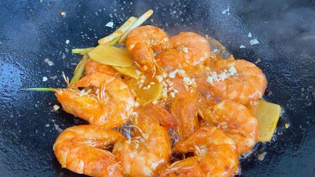 锅气腾腾--油焖大虾的做法