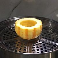 美妙的夏日甜品:小南瓜蒸蛋奶的做法图解3