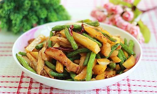 餐馆点餐率极高的下饭菜——烧茄子豆角。的做法