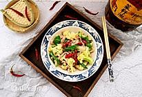 花菜小炒肉丝#金龙鱼外婆乡小榨菜籽油 外婆的时光机#的做法