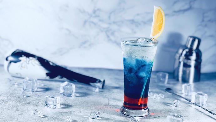 梦幻般颜色的鸡尾酒—漫步月球