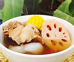 秋冬干燥滋补季--莲藕玉米猪骨汤的做法