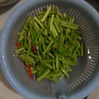 蒜苔肉丝的做法图解2