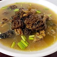 西藏野生羊肚菌炖排骨