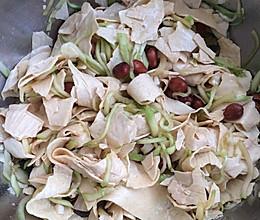 凉拌黄瓜丝油豆皮的做法