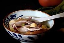 莲子酸菜猪肚汤的做法