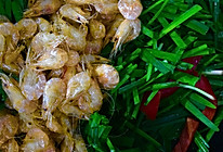 韭菜炒河虾的做法