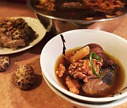 温州核桃乌鸡甜汤—月子餐的做法
