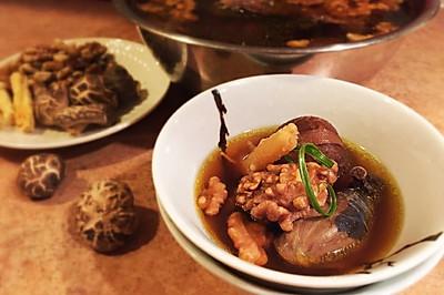 温州核桃乌鸡甜汤—月子餐
