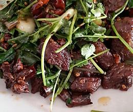 香辣牛肉粒的做法