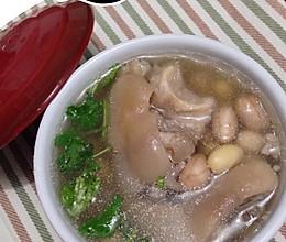 黄豆花生猪蹄汤的做法