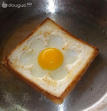 吐司煎鸡蛋的做法