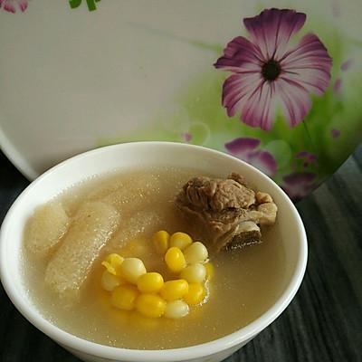 竹荪玉米排骨汤