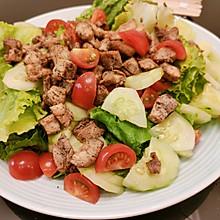 减肥好帮手--油醋汁生菜沙拉