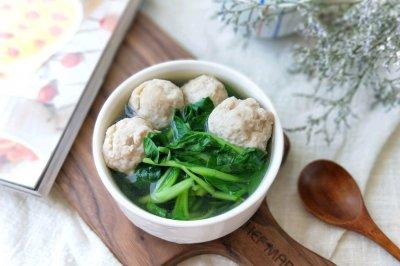 鸡毛菜肉丸汤