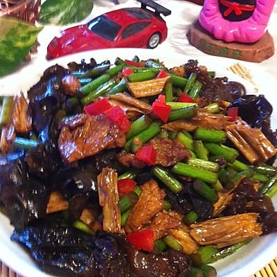 木耳腐竹炒祘苔