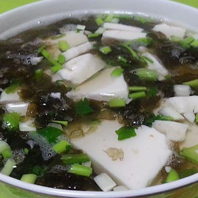 乐乐自家菜--紫菜豆腐汤