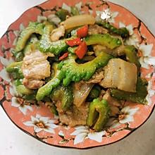 #巨下饭的家常菜#苦瓜炒五花肉片