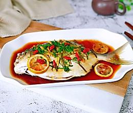 原味鲜蒸金鲳鱼#好吃不上火#的做法