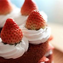 奶油草莓红丝绒蛋糕