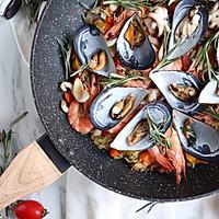 #硬核菜谱制作人#西班牙至尊海鲜烩饭的做法图解16