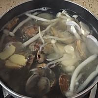 #520,美食撩动TA的心!#花蛤菌菇豆腐汤的做法图解6